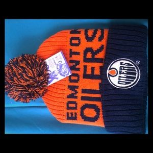 Accessories - Edmonton Oiler Signed Tuque